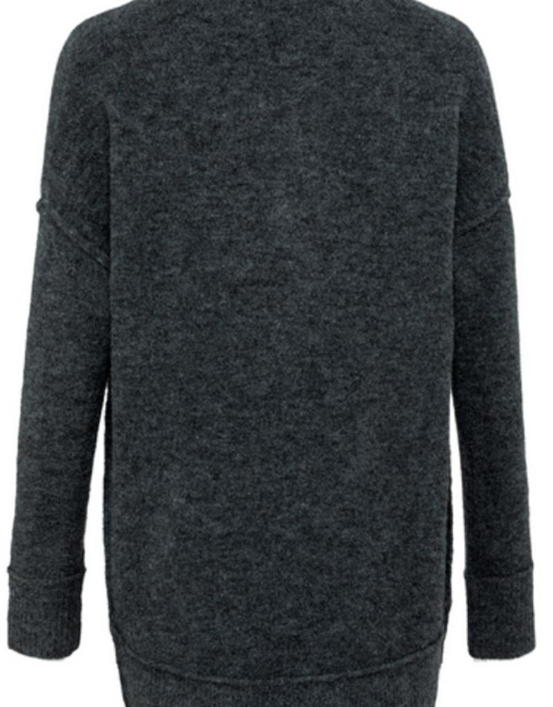 YaYa Yaya exposed seam sweater