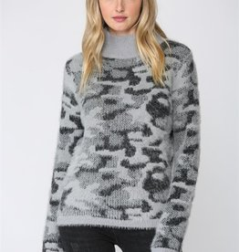 Fate Fate Fuzzy Leopard Sweater