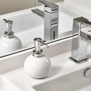 Pompe à savon ronde blanche et chrome York par Interdesign