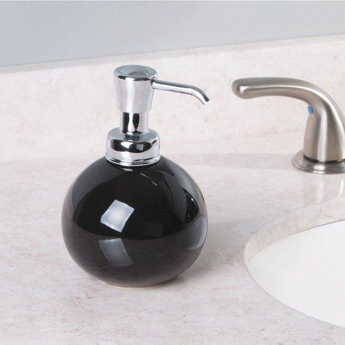 Pompe à savon ronde noire et chrome York par Interdesign