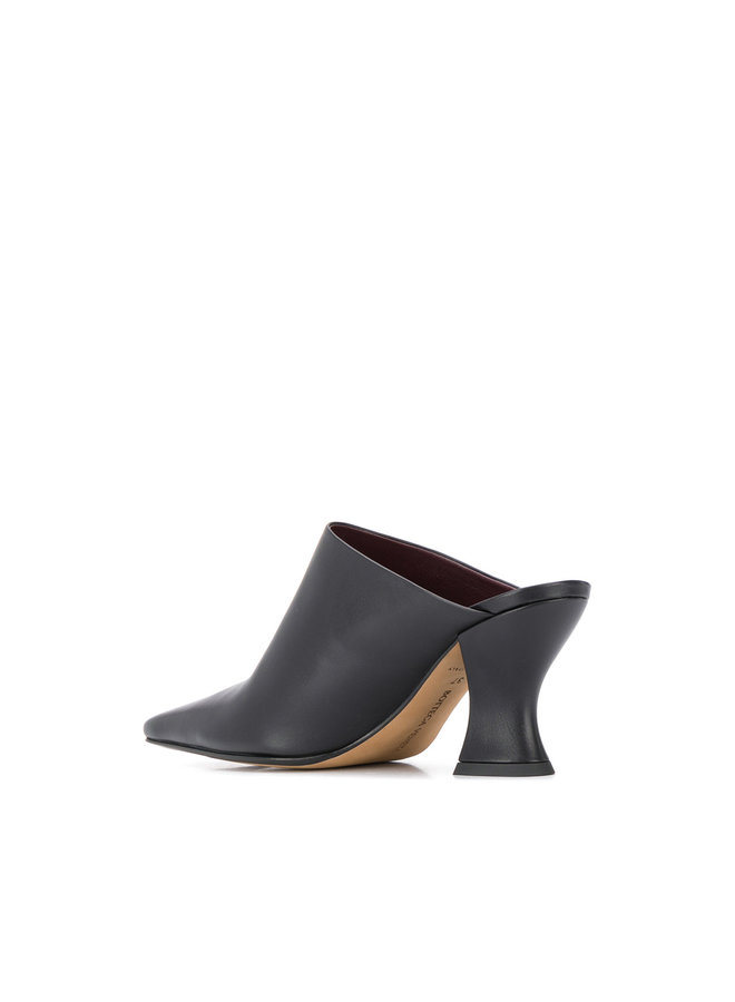 Almond Mule in Nappa Leather in Black