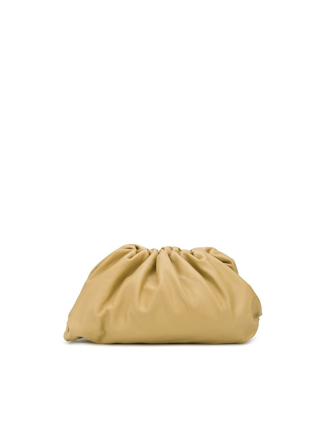 The Pouch Large Clutch Bag in Leather in Tapioca