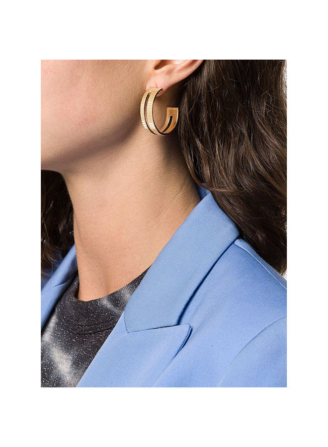 Slot Hoops in Gold