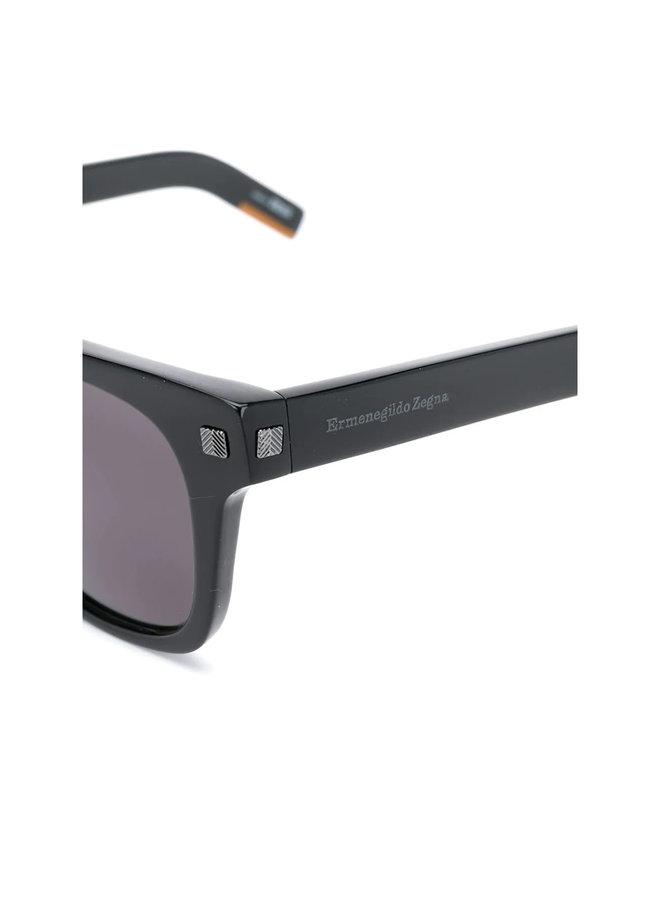 Square Sunglasses in Acetate in Black