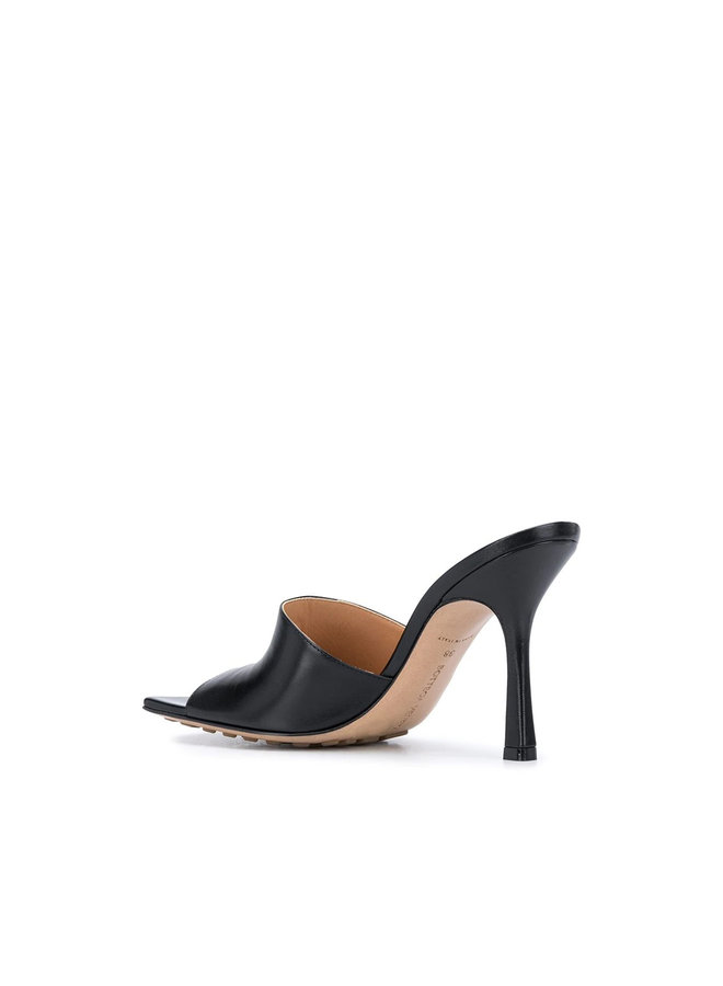 Square Toe Mules in Leather in Black