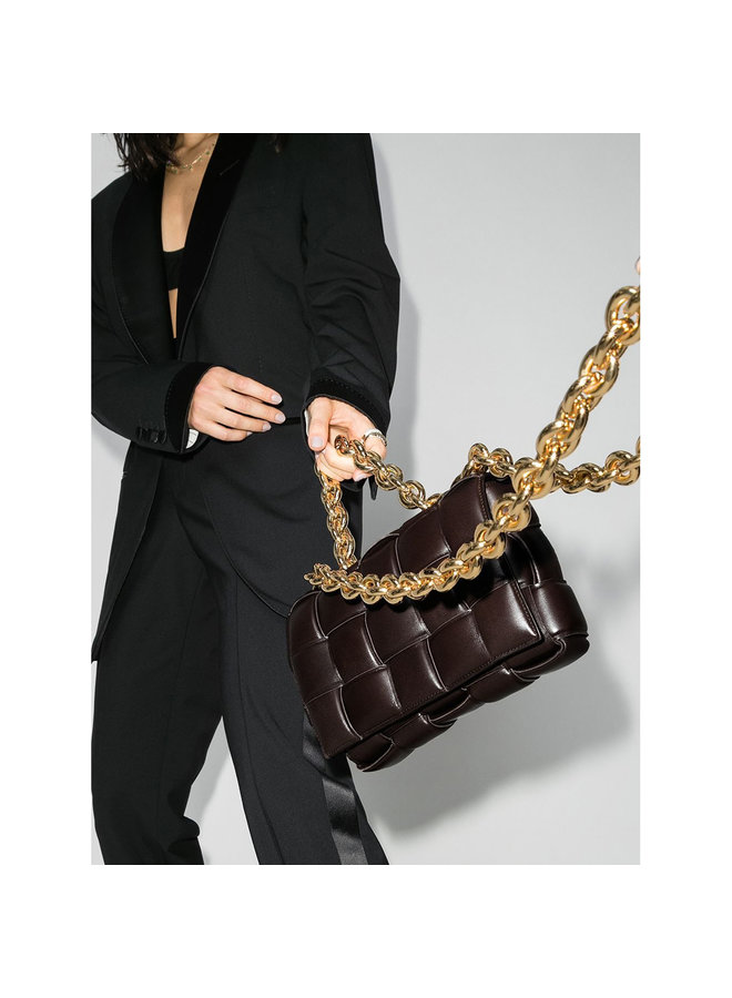 Casette Chain Padded Shoulder Bag in Leather in Brown/Gold