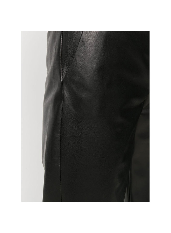 Straight Leg Pants in Leather in Black