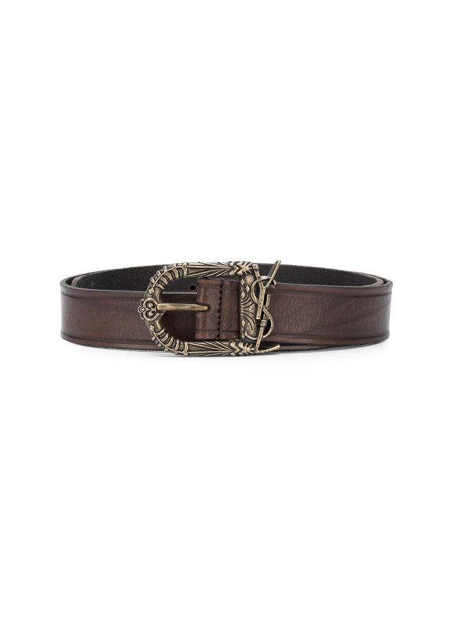 Engraved Buckle Logo Belt in Leather in Brown