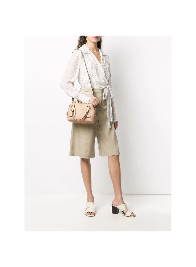 Daria Small Tote Bag in Leather in Sweet Beige