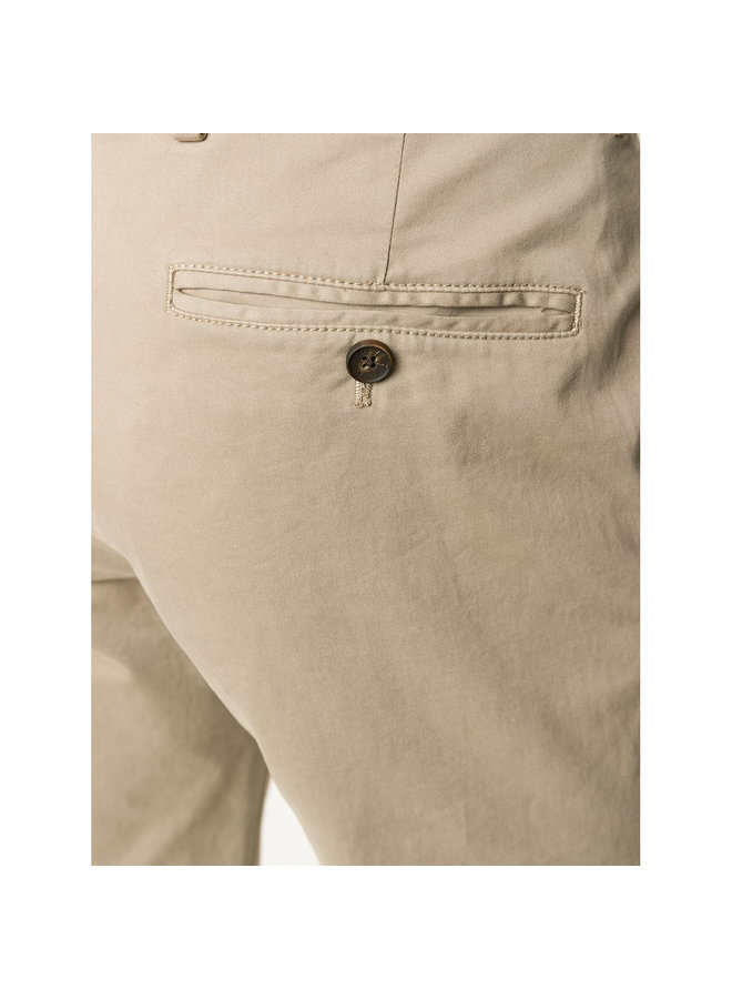 Straight Leg Casual Pants in Stretch Cotton in Camel
