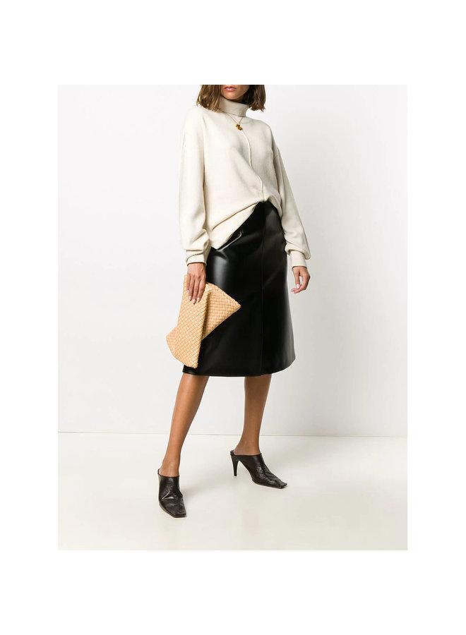 THe Crisscross Intrecciato Clutch Bag in Leather in Rose Beige