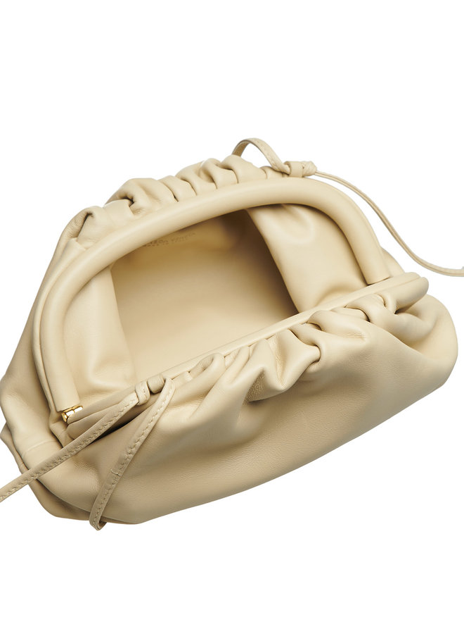 Mini Pouch Bag in Leather in Porridge