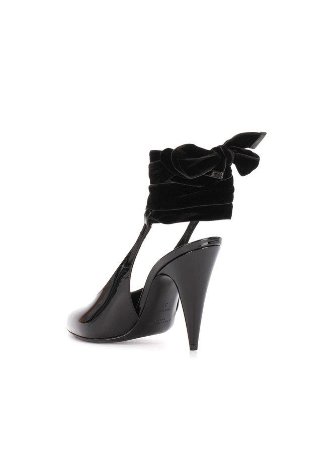 High Heel Wraparound Tie Pumps in Patent Leather in Black