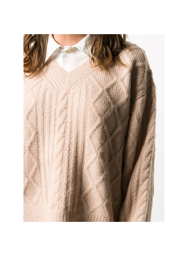 Cable Knit Sweater in Wool in Anemone Pink