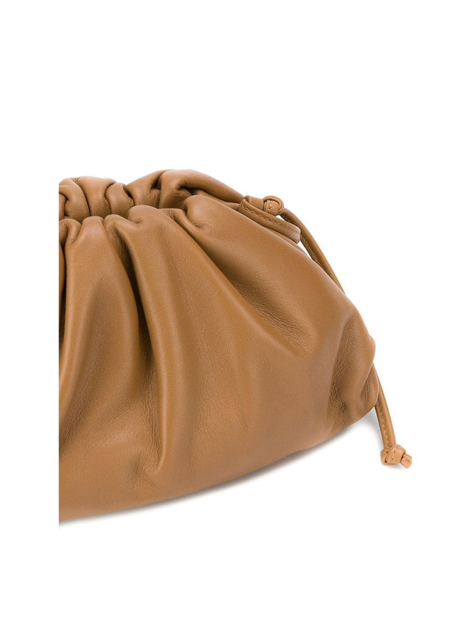 Mini Pouch Bag in Leather in Camello