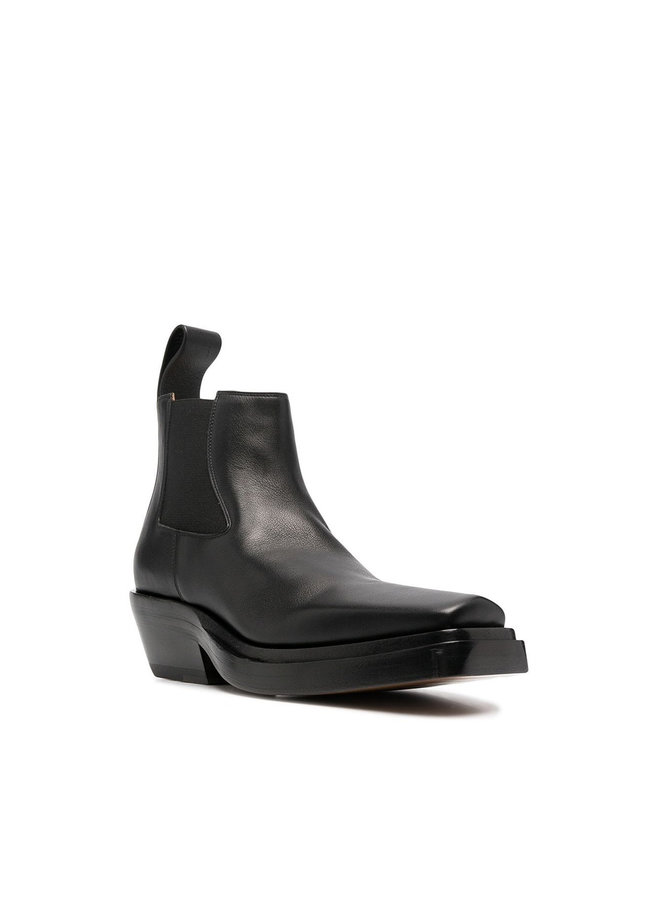 Lean Low Heel Ankle Boots in Leather in Black