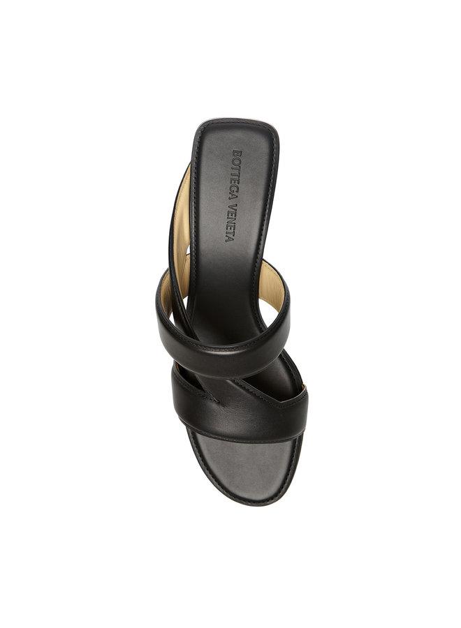 Low Heel Mule in Leather in Black