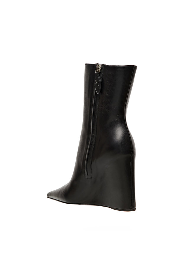 Pernille Wedge Ankle Boot in Leather in Black