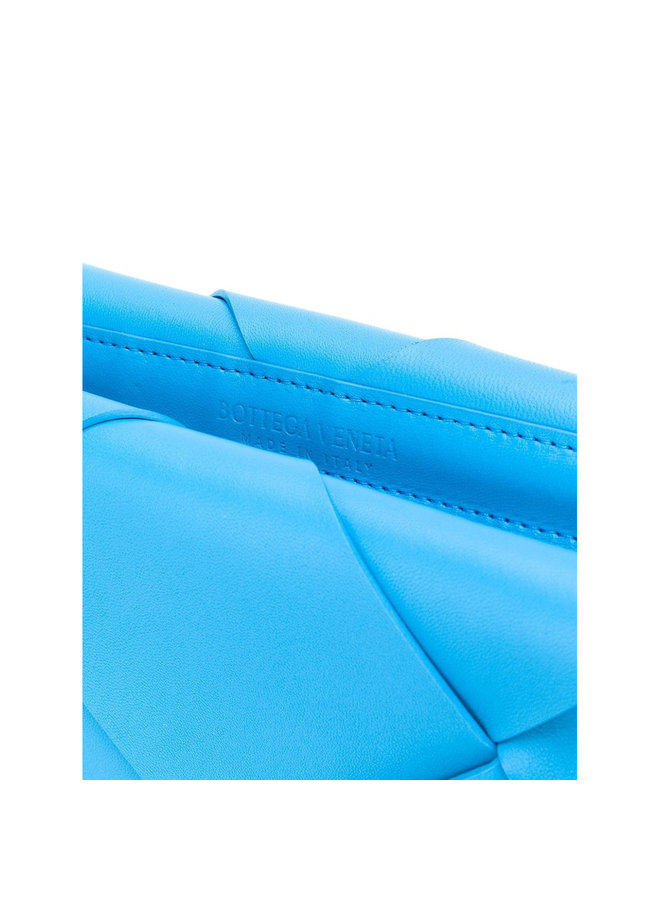 Clutch Maxi Intrecciato Leather in Swimming Pool