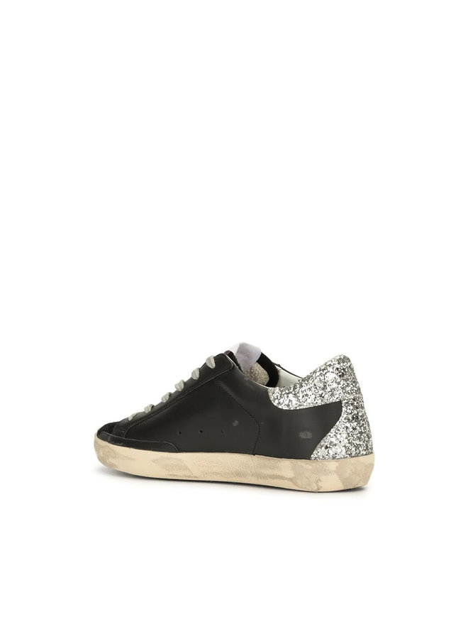 Superstar Low Top Sneakers in Leather in Black