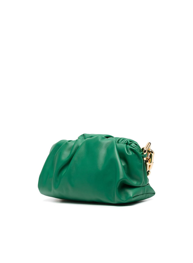 The Chain Pouch Shoulder Bag in Leather in Racing Green
