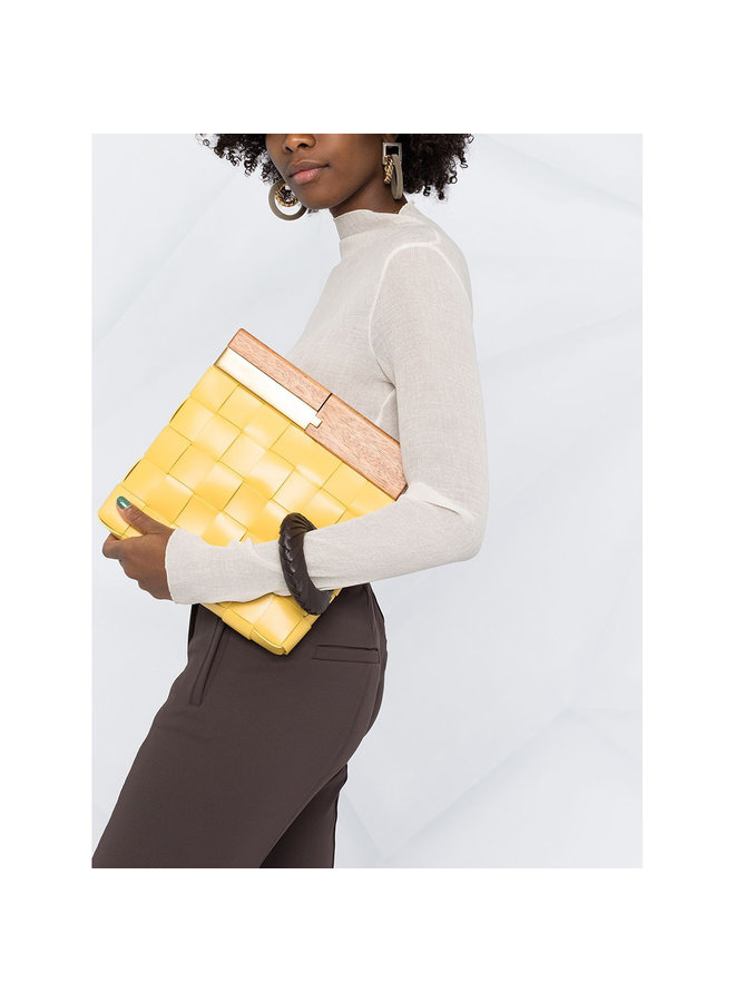 The Snap Clutch Bag in Leather in Buttercup
