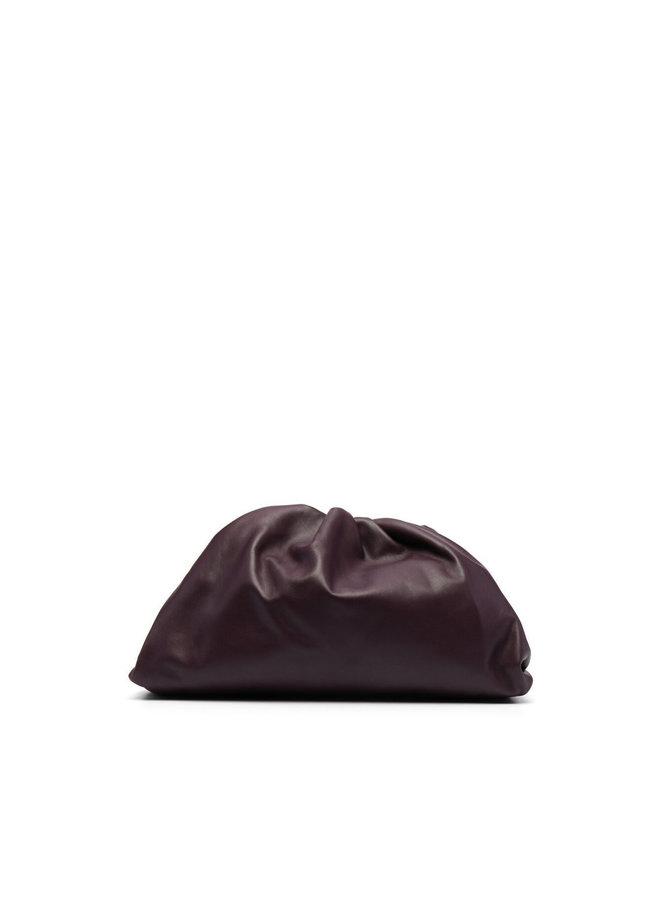 The Pouch Large Clutch Bag in Leather in Grape