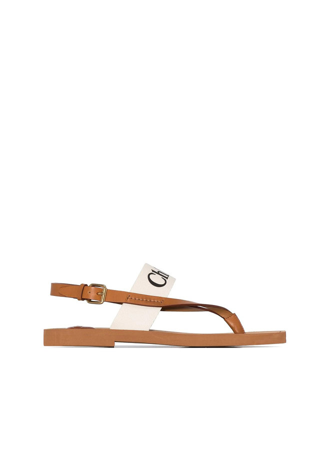 Woody Flat Sandals in Leather in White