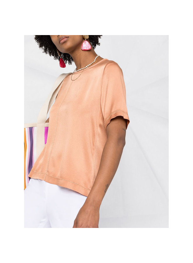 Crew Neck T-shirt in Shiny Silk in Camel