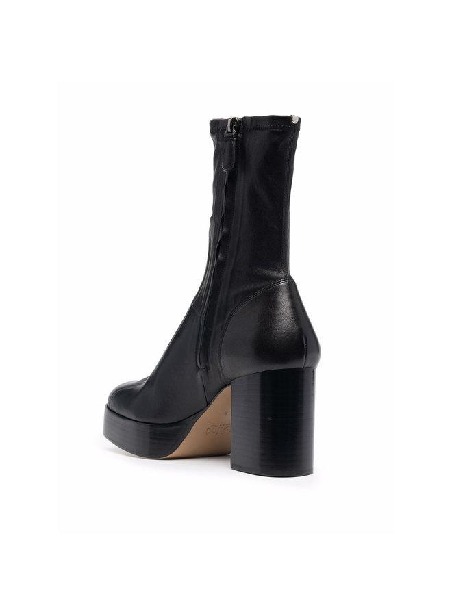 Izzie High Heel Boots in Black