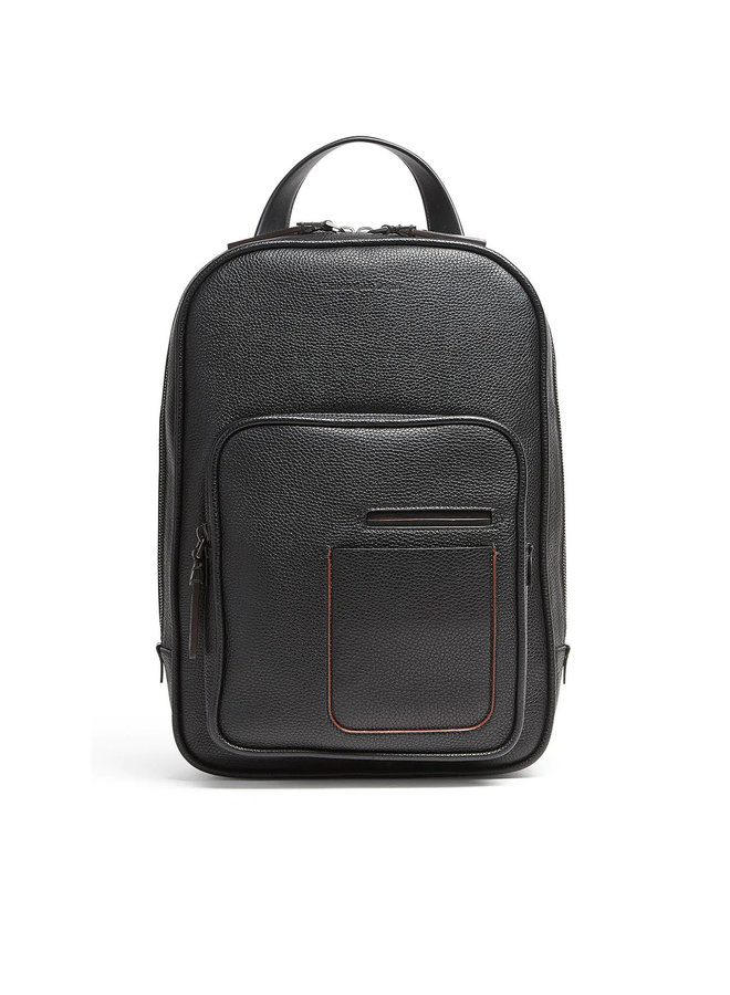 Backpack in Leather in Black