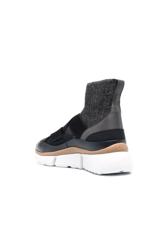 Sonnie High Top Sneakers in Black