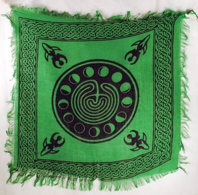 ALTAR CLOTH 18x18 GREEN MOON PHASES WITH GODDESS