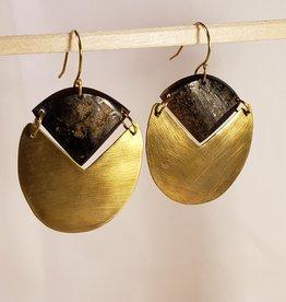 Padang Linked Oval Earring - Dark Horn, Brass
