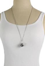 Cutout Diffuser Locket Necklace