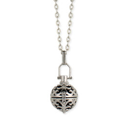 Cutout Diffuser Locket Necklace