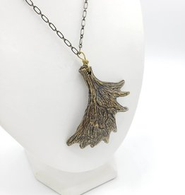 Flea Market Girl Elk antler necklace - by Flea Market Girl