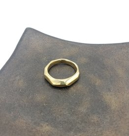 Light faceted bronze ring, high polish