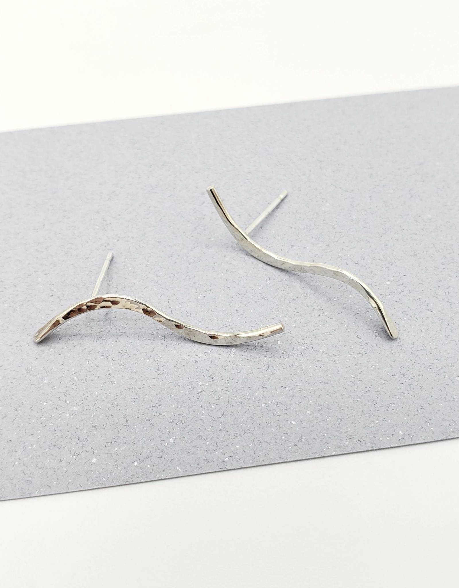 Peter James Jewelry Curved Bar Stud Earrings in Sterling Silver