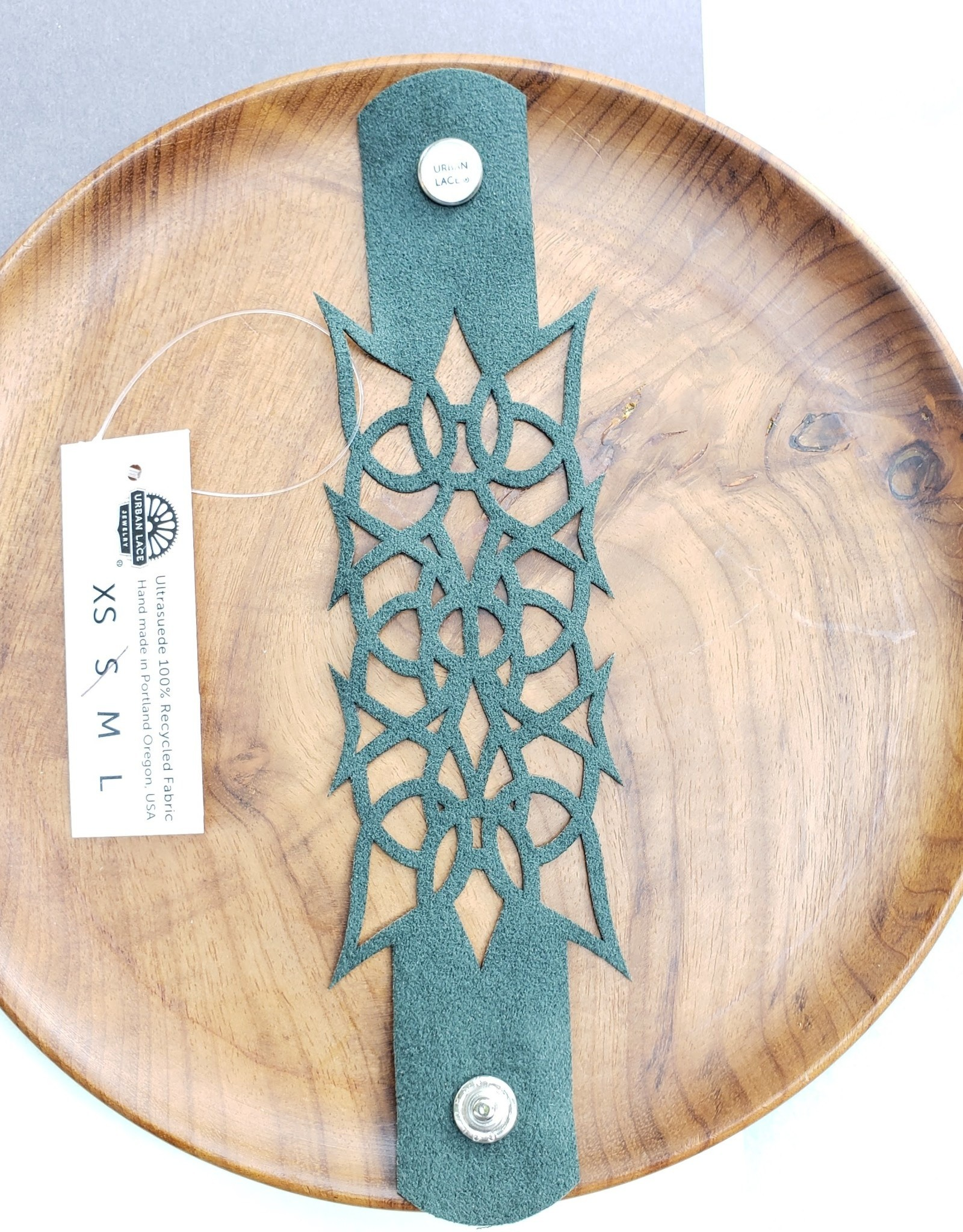 """Urban Lace """"Nyad"""" 7"""" Ultra Suede Cuff Snap Bracelet in Moss"""