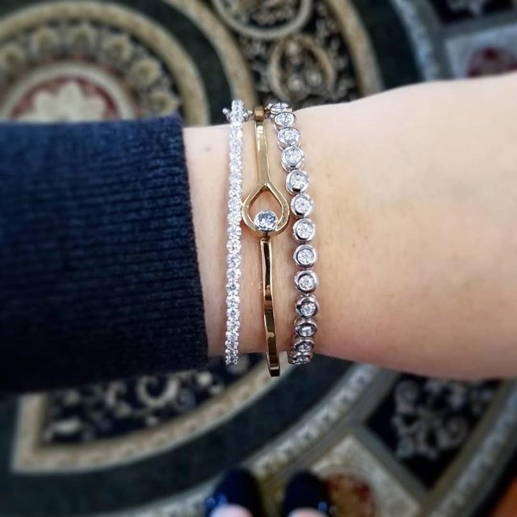 Classic Diamond Bangle Bracelet 2.61 carat total weight