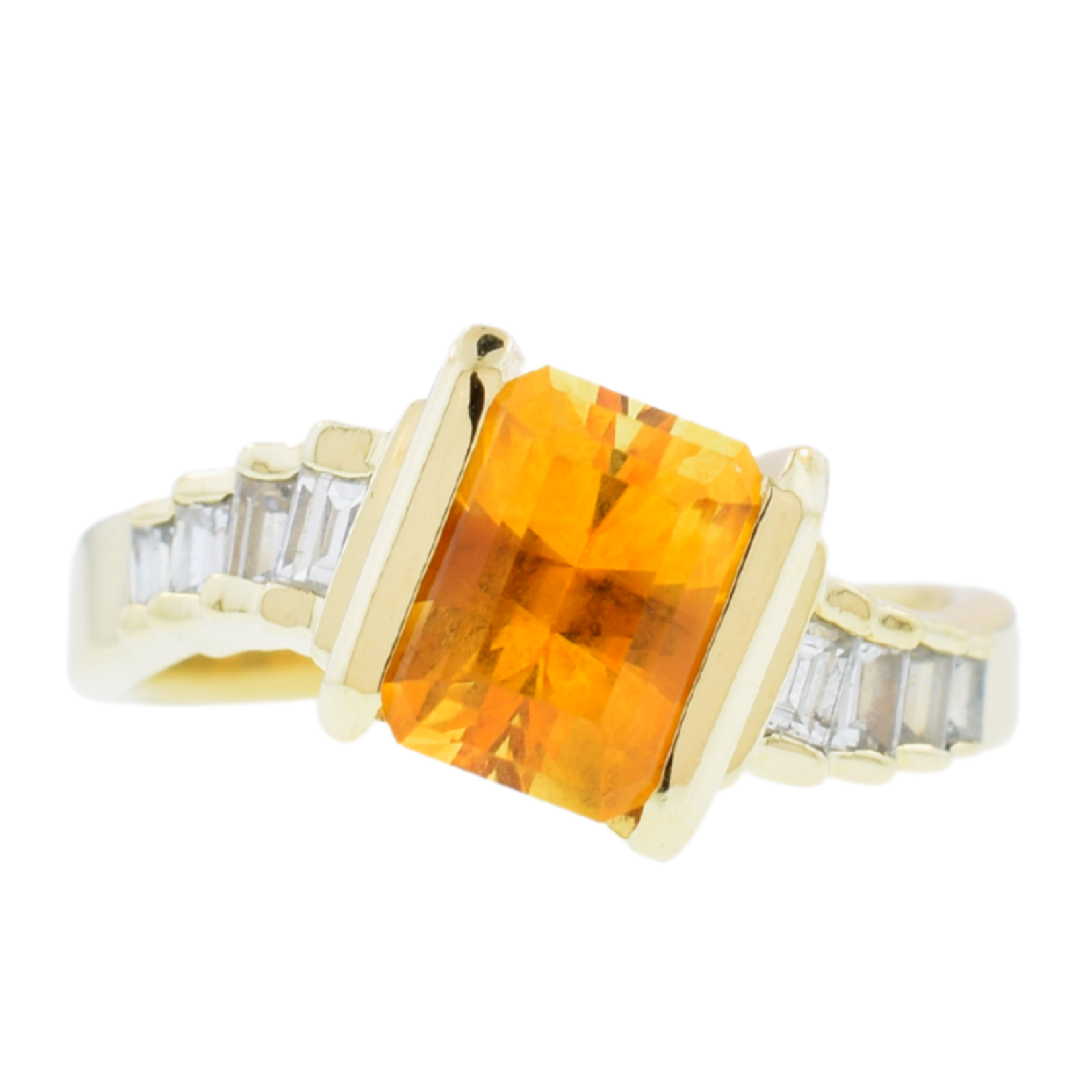 Estate/14kyg yellow stone with clr emerald cut side stones
