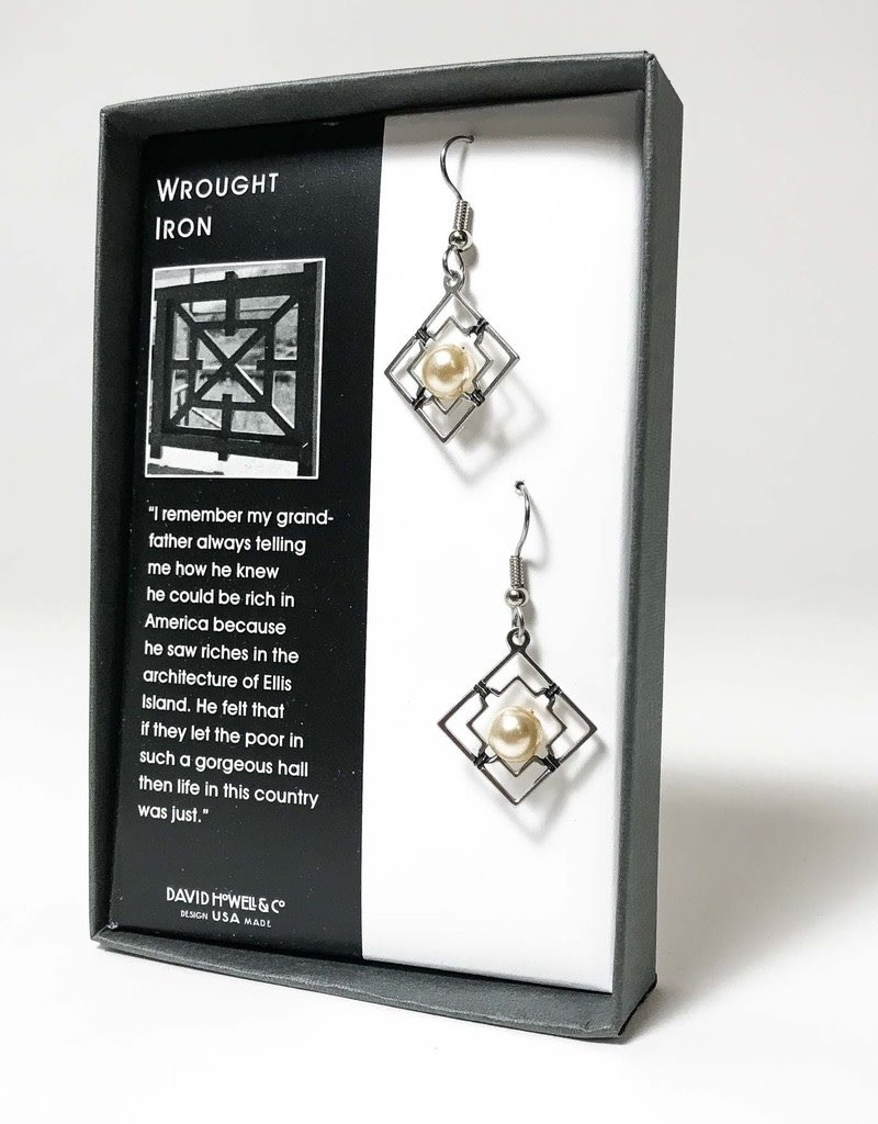 WROUGHT IRON EARRINGS WITH PEARLS
