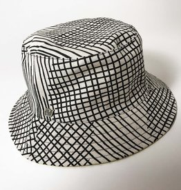 GREY GRID BUCKET HAT
