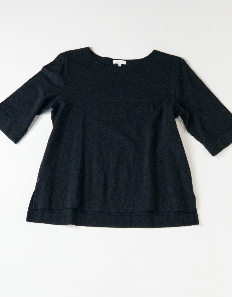 CUFFED  SLEEVE BLACK BOATNECK T-SHIRT