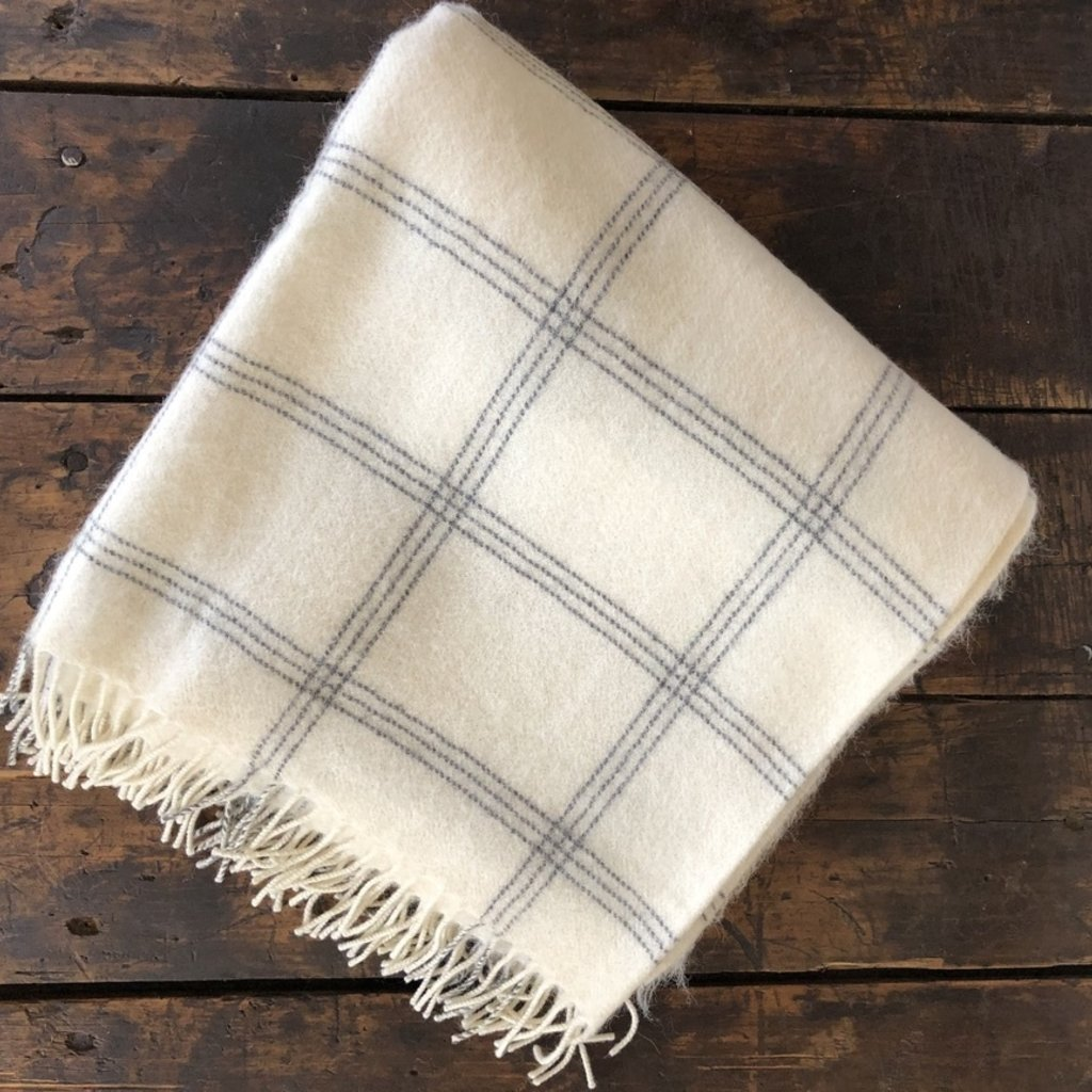 Alpaca Throw White Pearl Window
