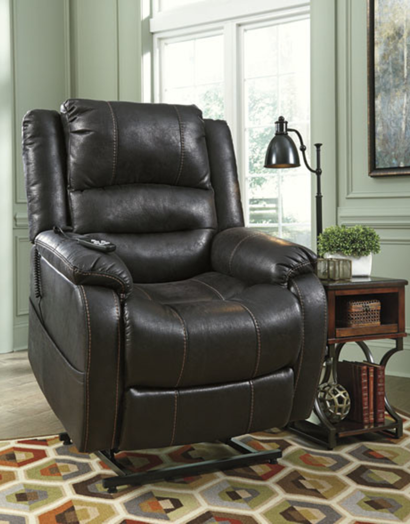 Yandel Power Lift Recliner (Black) - Online Only