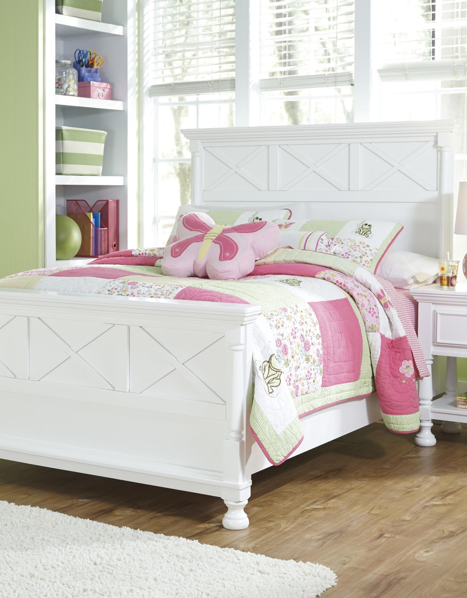 Kaslyn Bed (includes headboard, footboard, and rails)