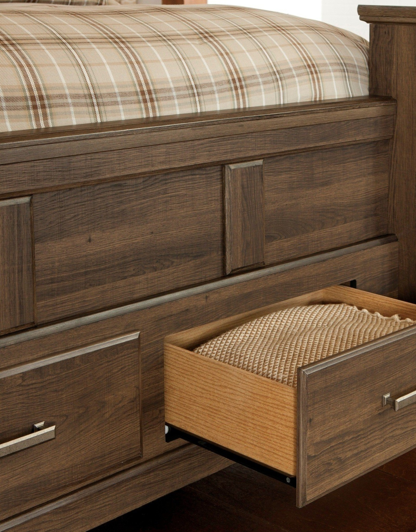 ClOSEOUT: Juararo King Storage Bed