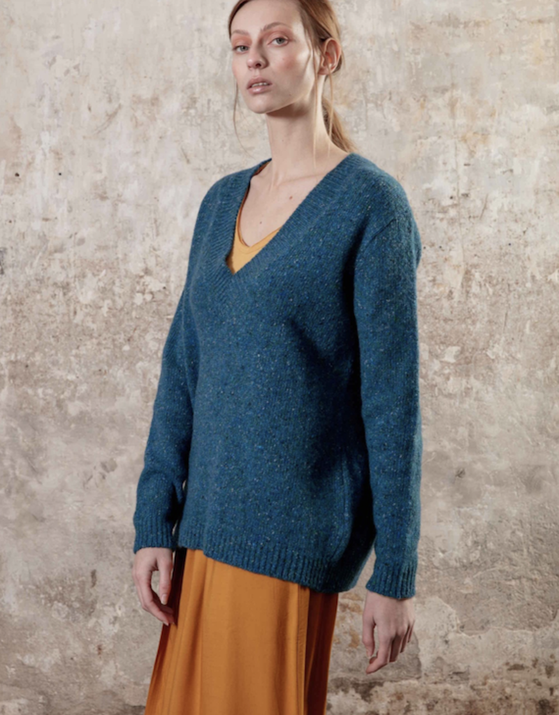 Maevy Concept Surprise V Neck Pullover
